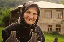 Život v gruzínské provincii Svanetie přibližuje lidem výstava snímků španělské fotografky Rosy Vroom v Klubu cestovatelů v Brně. Obyvatelům historické části hrozí vysídlení kvůli výstavbě elektráren.