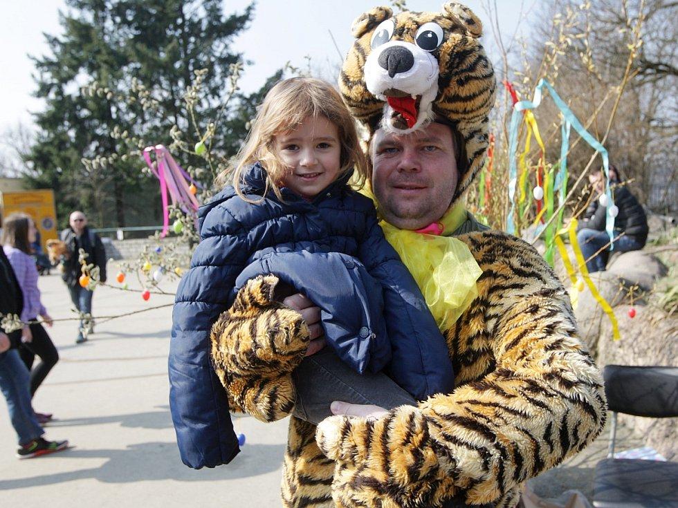 Velikonoční pondělí přilákalo do brněnské zoologické zahrady skoro pět tisíc návštěvníků.