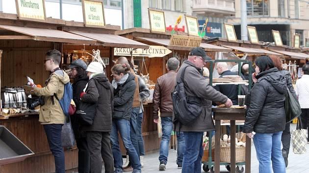 Velikonoční trhy na náměstí Svobody v Brně.