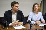 Nová brněnská koalice - zleva Petr Hladík KDU-ČSL a Markéta Vaňková ODS.