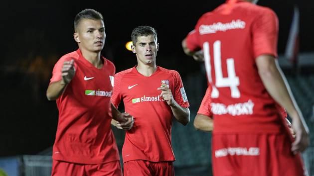 Ondřej Paděra, František Hakl a Bohumír Doubravský slaví druhý triumf na mistrovství světa v malém fotbale.