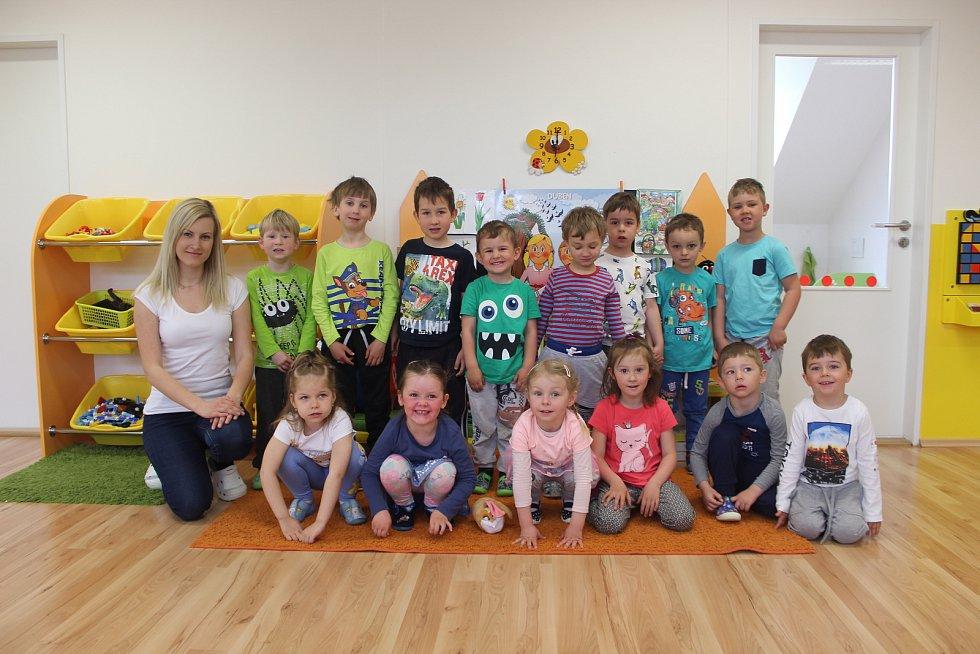 Děti ze třídy Pastelka v mateřské škole Zámecká v Rosicích