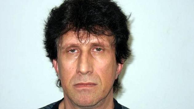 Neznámý muž se policistům představil jako Patočka a tvrdil, že je mu jedenapadesát let a je ze Slovenska.
