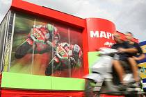 Ve středu dorazily na brněnský Masarykův okruh závodní motorky účastníků víkendové Grand Prix.