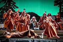 Brněnské Národní divadlo v současnosti uvádí v pořadí již třinácté nastudování opery Leoše Janáčka Příhody lišky Bystroušky.