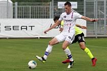 Rosice 05.10.2019 - domácí SK Líšeň v bílém (Ondřej Bačo) proti FK Ústí nad Labem