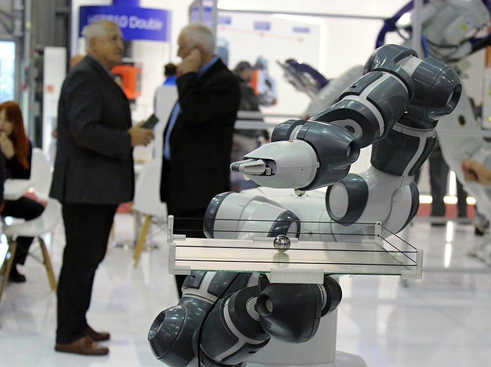 Na brněnském výstavišti začal v pondělí šedesátý Mezinárodní strojírenský veletrh. Pokračuje až do pátku.