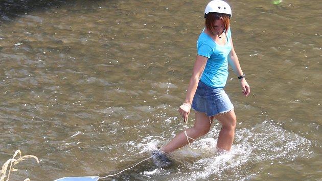 Nábřeží Svitavy ožilo neckyádou na mělčině. Někteří poprvé objevili koryto řeky