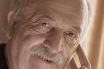 BÁSNÍK, PROZAIK. Pavel Řezníček, rodák z Blanska. Jeho verše plní domácí i zahraniční surrealistické antologie, je zastoupen také v druhém ročníku Nejlepších českých básní z roku 2010.