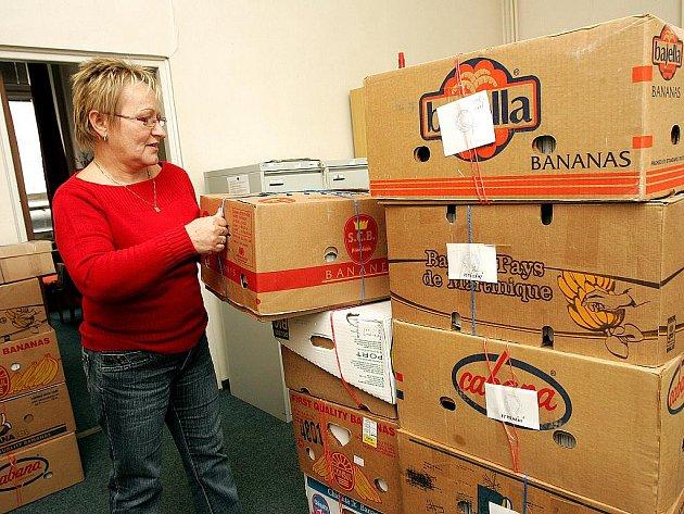 VELKÉ STĚHOVÁNÍ. Téměř dva týdny trvalo zaměstnankyním Městského soudu v Brně balení spisů do krabic.
