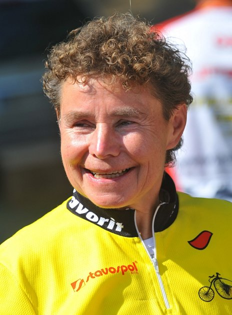 Bývalá cyklistka Iva Stafová-Zajíčková vybojovala dvě stříbra a čtyři bronzy na mistrovství světa ve sprintu. Nyní dělá starostku Ždánic.