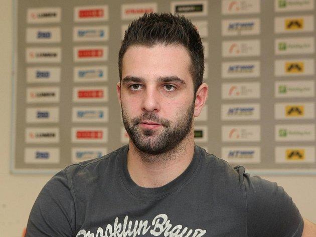 Hokejový útočník Tomáš Svoboda.
