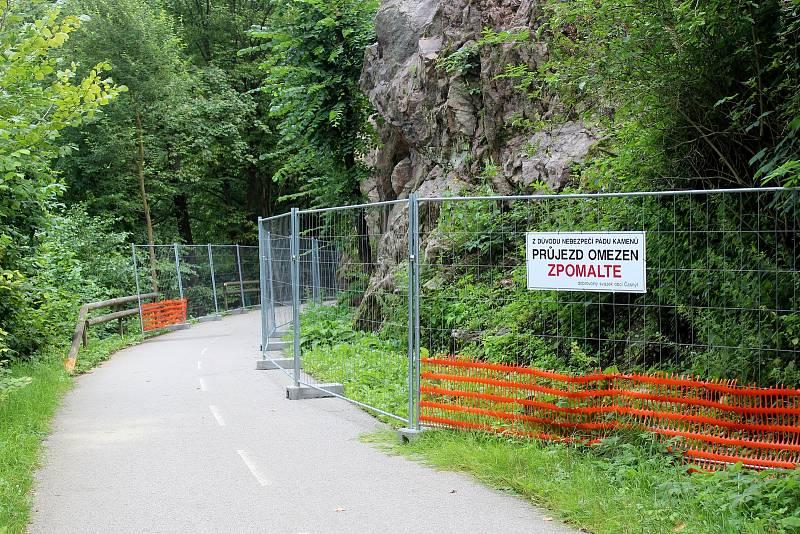 V srpnu projeli cyklisté po stezce před Bílovicemi nad Svitavou s omezením, od pondělí 11. října musí kvůli její uzavírce jinudy.