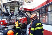 Trolejbus a tramvaj se srazily v pondělí odpoledne v brněnské Křenové ulici.