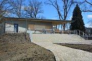 V Tišnově roste nový park, otevře v červnu