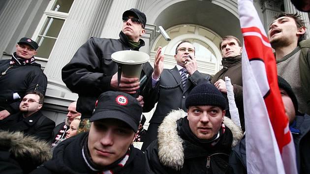 Nejvyšší správní soud zrušil Dělnickou stranu.