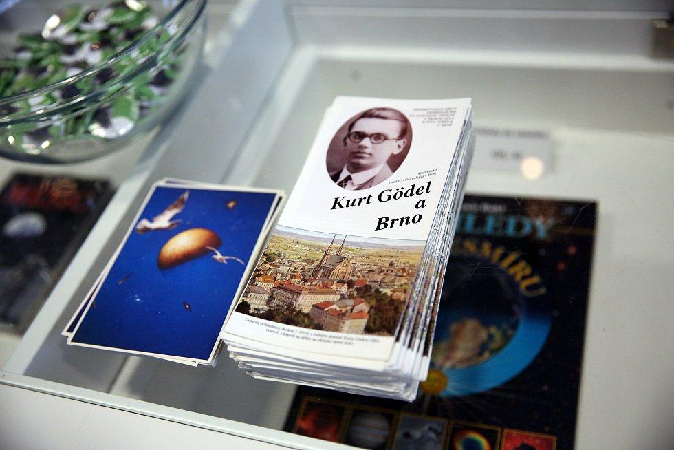 Kurt Gödel byl významným logikem, který prohloubil spojení logiky se základy matematiky. Byl prvním tvůrcem programovacího jazyka.