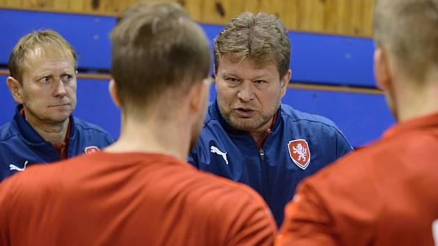 Trenér reprezentace Tomáš Neumann: Na konci se chceme radovat z postupu