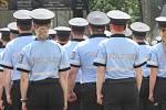 Desítky nových policistů složily slavnostní slib na brněnském náměstí Svobody.