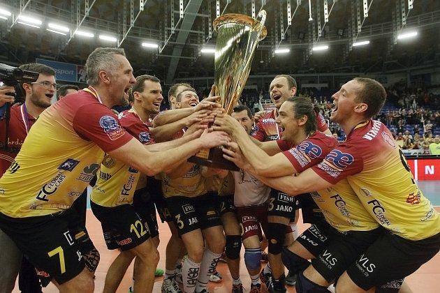 Volejbalový mistr zLiberce. Všestém finálovém utkání Dukla porazila Brno 3:1.