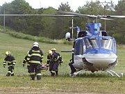 Pro zraněnou ženu v lese poblíž Kanic na Brněnsku musel ve středu dopoledne přiletět vrtulník.