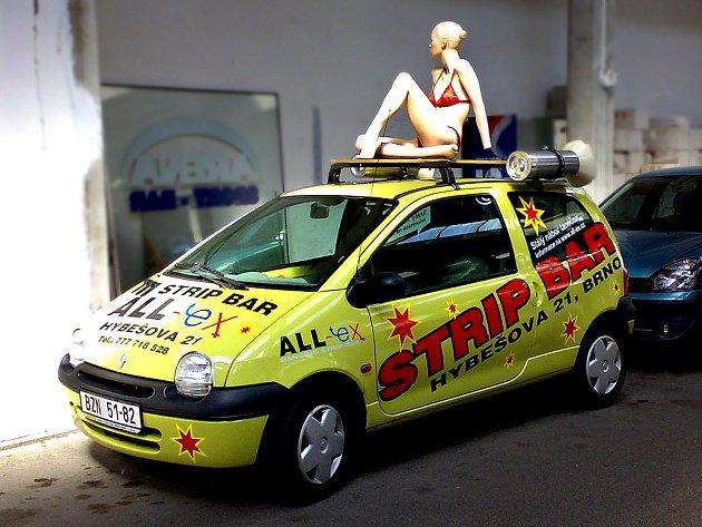 Reklamní auto