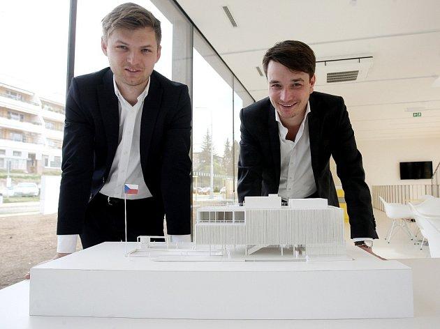 Architekti Ondřej Chybík a Michal Krištof představili podobu českého pavilonu pro světovou výstavu Expo 2015.