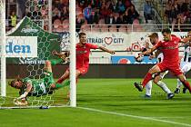 Rosice 28.09.2019 - domácí FC Zbrojovka Brno (červená) proti FC Hradec Králové