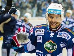 Kometa Brno (v modrém) zvítězila i ve druhém finálovém utkání s Libercem. Tentokrát 4:3 v prodloužení.