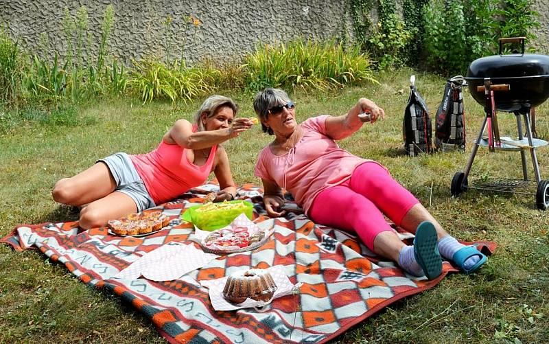Akce Česko jde spolu na piknik vyzvala lidi z různých míst naší země, aby pořádali ve stejný čas piknik. Na snímku loňský piknik v Chomutově.