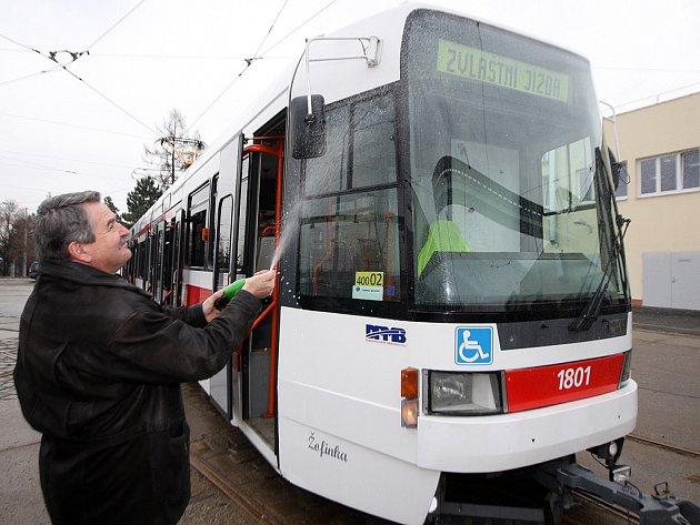 Drážní úřad vyslal tramvaj Žofinku - RT6–N1 do brněnských ulic.