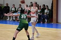 Žabiny Brno (v bílém) postoupily do semifinále play-off, když si s Ostravou poradili ve všech třech utkáních.