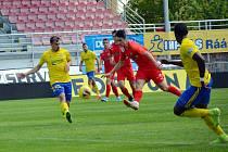 Fotbalisté Zbrojovky v posledním přípravném utkání před opětovným zahájením druhé ligy podlehli Zlínu 0:5.