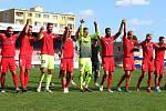 Fotbalisté Zbrojovky děkují svým fanouškům za podporu.