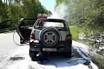 Škodu v hodnotě čtyřiceti tisíc korun způsobil požár na osobním autě, které za jízdy vzplanulo na Staré dálnici.