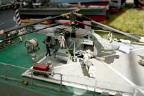 Lodě, letadla i ponorky mezi sebou bojovaly v sobotu na Brněnské přehradě. Nadšenci z brněnského Mini navy clubu Midway tam totiž stovkám lidí předvedli přehlídku svých modelů.