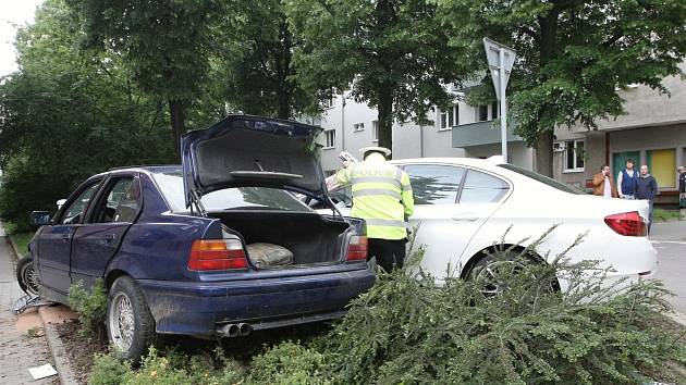 Nehoda dvou aut v brněnské Vodově ulici.