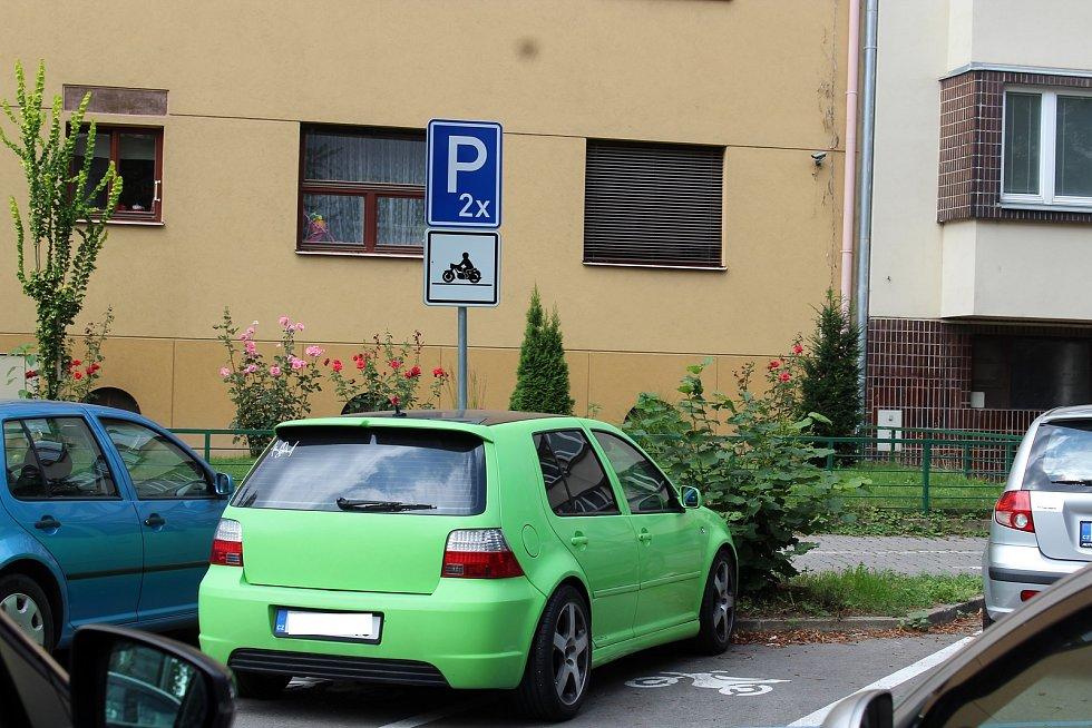 Rezidentní parkování v Brně. Ilustrační foto