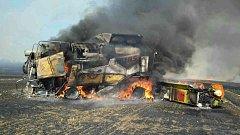 U Tvarožné plameny zcela zničily kombajn. Požár se dále rozšířil na 30 hektarů pole. Předběžná škoda 4,5 milionu korun.