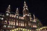 Vánoční trhy ve Vídni lákají i zástupy Čechů
