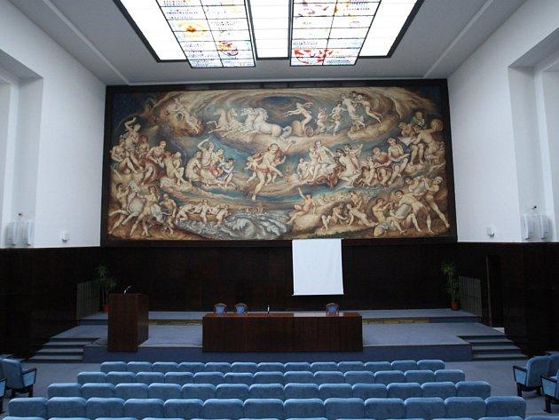 Obraz Promethea v aule Právnické fakulty v ulici Veveří.