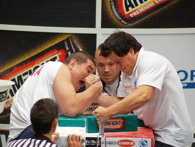 V kategorii do osmdesáti kilogramů se v reprezentačním dresu představí Otto Vlk (vpravo).