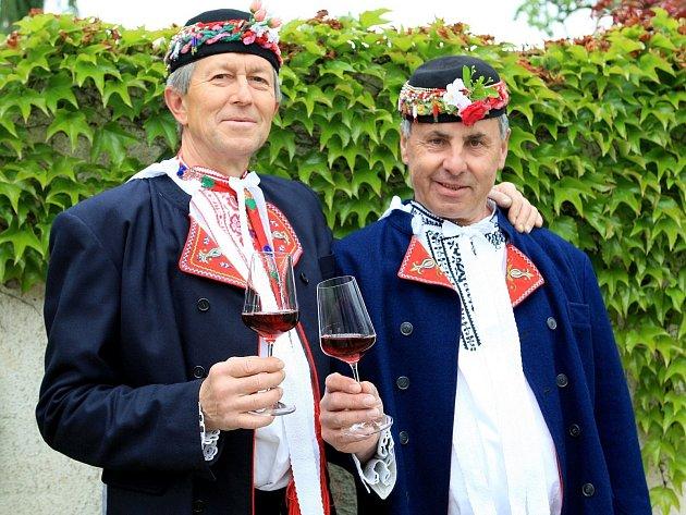 Jaroslav Beneš a František Tichý chtějí s kolegy z Hrušek za dva týdny oživit tradiční setkání jedinečných mužáckých sborů z Podluží.