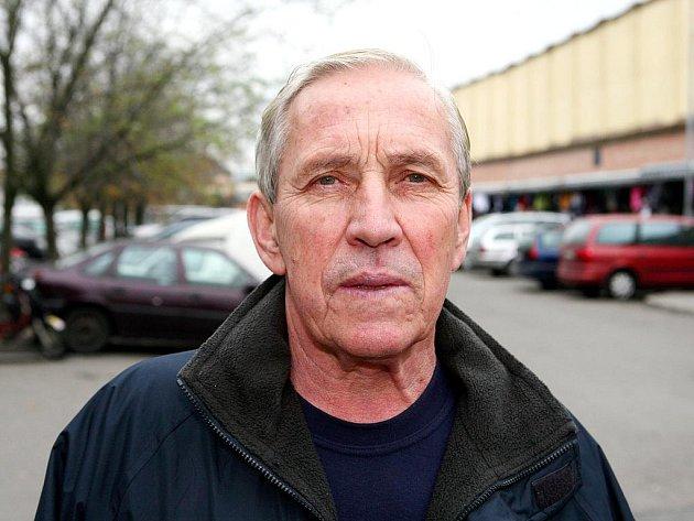 Jeden z nejslavnějších hokejistů československé historie Josef Černý.