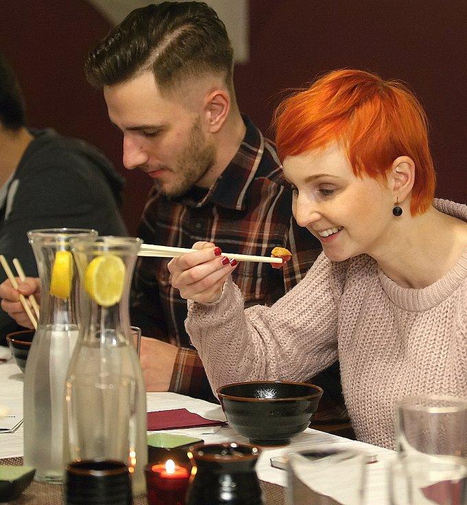 Degustace v brněnském bistru Friends nabídla různé speciality z tradiční japonské kuchyně.