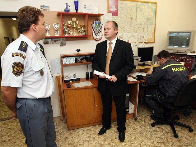 Jihomoravský hejtman Michal Hašek navštívil ivančické hasiče.