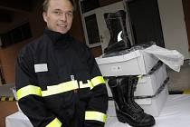 Dobrovolní hasiči z jižní Moravy dostali nové obleky.