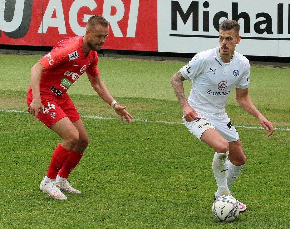 Fotbalisté Slovácka (v bílých dresech) se ve 28. kole FORTUNA:LIGY utkali se Zbrojovkou Brno. Foto: Jan Zahnaš