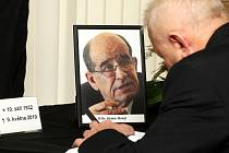 Brňané se v pátek rozloučili se zesnulým Otakarem Motejlem.