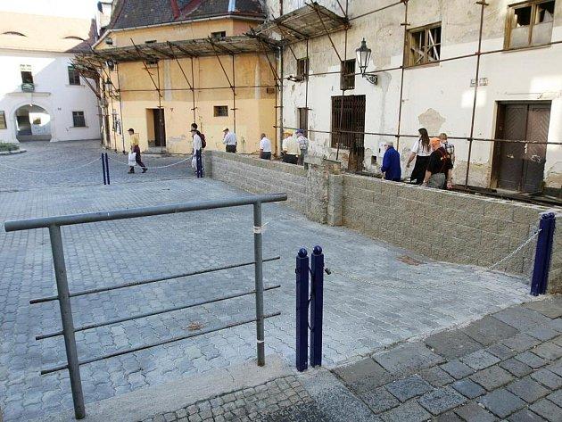 Parkoviště na Římském náměstí.